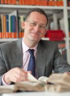 Univ.-Prof. Dr. Florian Steger